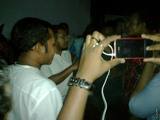 MDP activists harass and terrorize Minister of Finance at Party Activity Centre